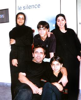 La familia Makhmalbaf al completo