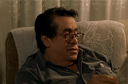 El señor García descansa en su casa